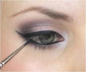 Apply-eyeliner-to-top-lash-line